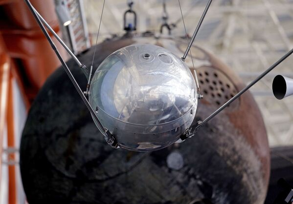 È un modello del Sputnik 1 esposto al Museum of Flight a Seattle. - Sputnik Italia