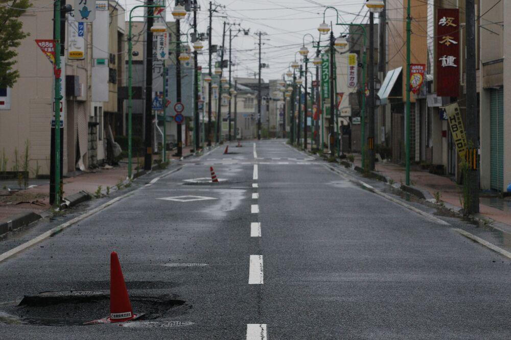 Giappone, la strada principale della cittadina Tomioka abbandonata dopo gli incidenti avvenuti nella Prefettura di Fukushima.