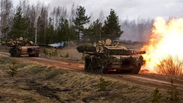 Carri armati M1 Abrams - Sputnik Italia