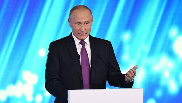 Vladimir Putin alla sessione plenaria del Forum Valdai - Sputnik Italia