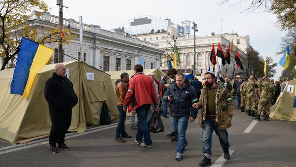 A tent camp set up near the Ukrainian parliament building in Kiev, Ukraine October 19, 2017 - Sputnik Italia