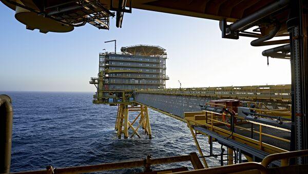 Denmark's A.P. Moller-Maersk's oil rig in the North Sea named Halfdan (File) - Sputnik Italia