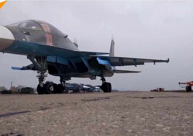 Il rifornimento in volo dei caccia Sukhoi SU-34