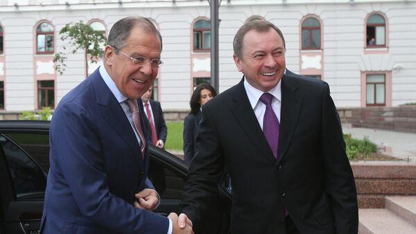 Il ministro degli Esteri Sergei Lavrov e il suo omologo bielorusso Vladimir Makei - Sputnik Italia