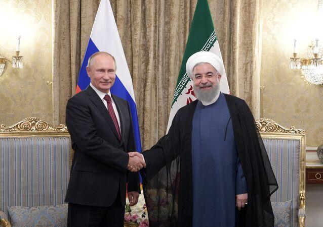 L'incontro tra Putin e Rouhani