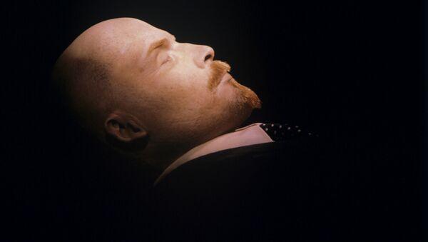 Vladimir Lenin nel Mausoleo - Sputnik Italia