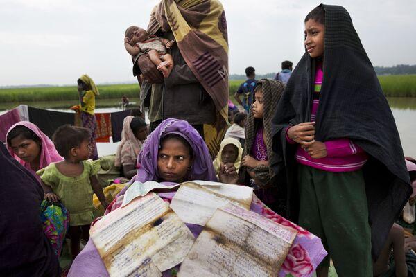Rifugiati dal Myanmar a Bangladesh. - Sputnik Italia