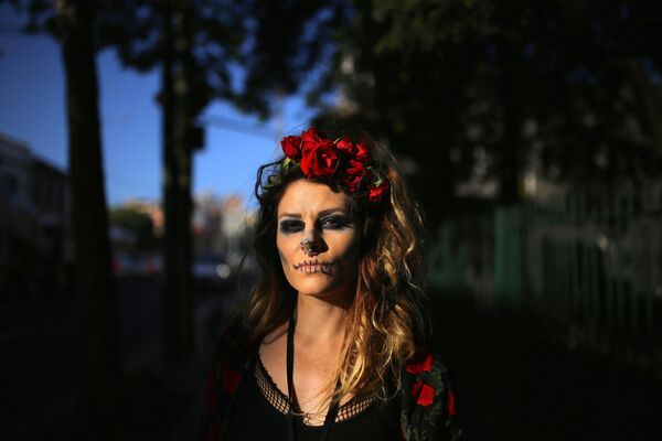 Una ragazza vestita per Halloween in Australia. - Sputnik Italia