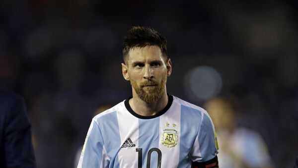 Argentina's Lionel Messi leaves the pitch after a 2018 Russia World Cup qualifying soccer match between Argentina and Chile at the Monumental stadium in Buenos Aires, Argentina - Sputnik Italia