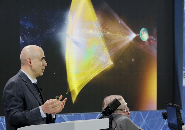 Yuri Milner e Stephen Hawking