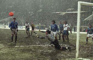 L'esordio di Buffon con l'Italia nel 1998, resta anche l'unica partita giocata da lui in Russia con la maglia azzurra
