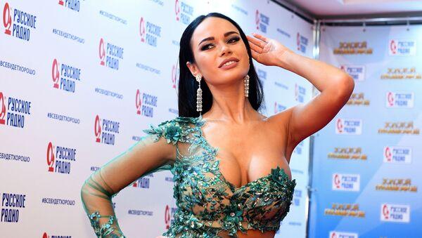 L'attrice russa Yana Koshkina alla 22° edizione del premio di musica russo Zolotoj Grammofon. - Sputnik Italia