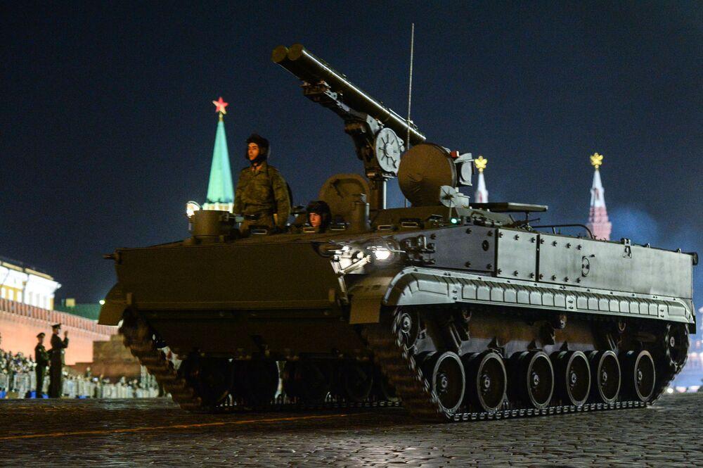 Il sistema missilistico anticarro Khrizantema-S.