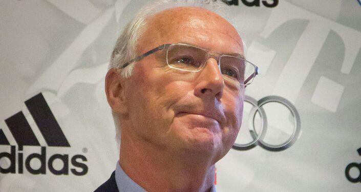 Il programma FOOTBALL FOR FRIENDSHIP ha una dinamica incredibile: di continuo vengono presentati i nuovi eventi e le nuove iniziative, ha detto  Franz Beckenbauer