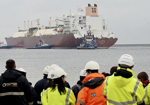 Gas naturale liquefatto arriva nel porto di Swinoujscie in Polonia.