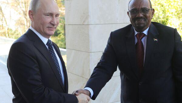 November 23, 2017. Russian President Vladimir Putin and President Omar al-Bashir of Sudan during their meeting - Sputnik Italia