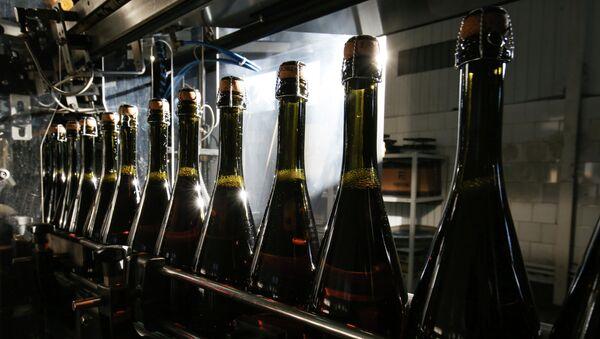 Bottiglie di spumante - Sputnik Italia