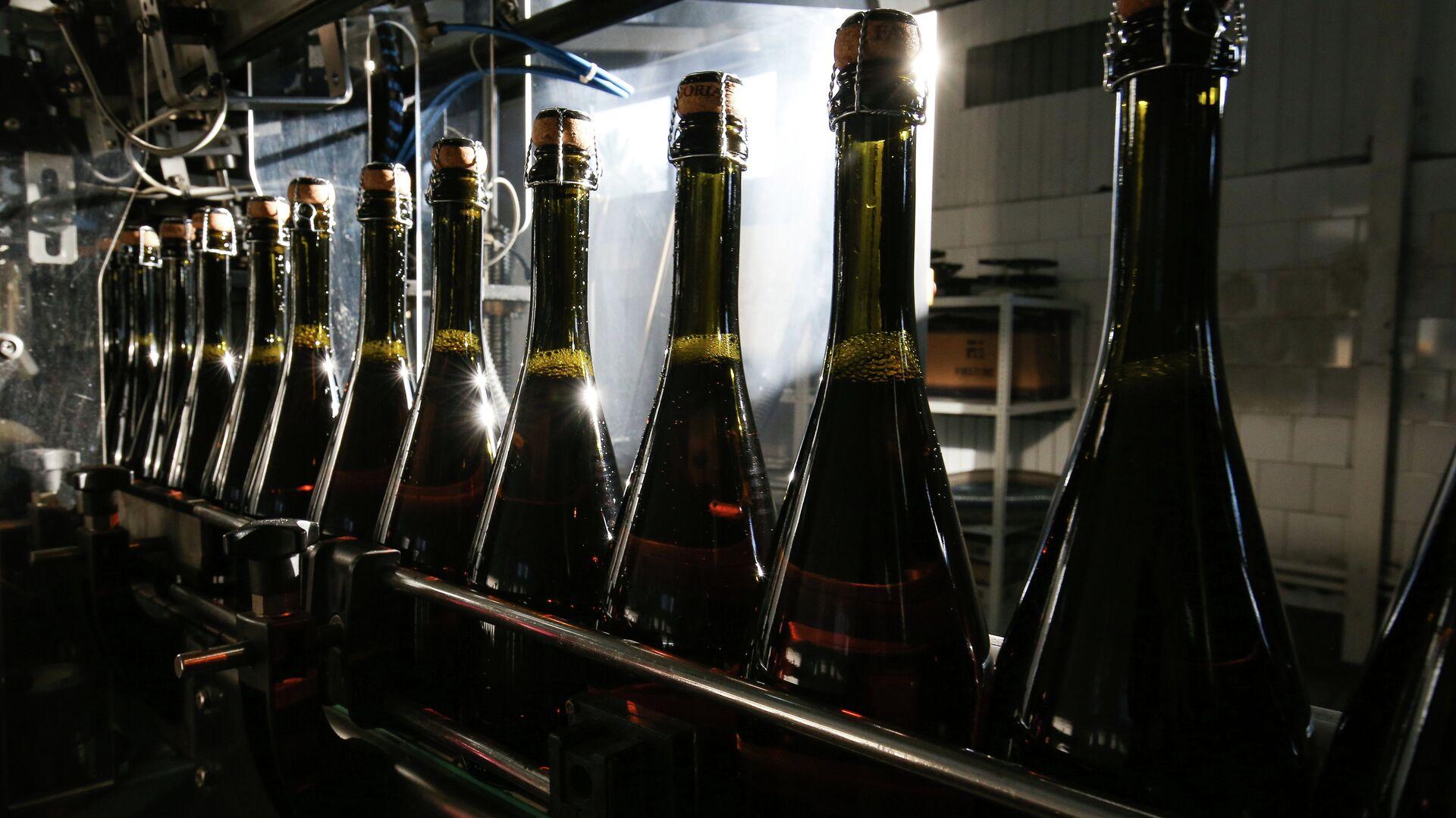 Bottiglie di spumante - Sputnik Italia, 1920, 14.09.2021