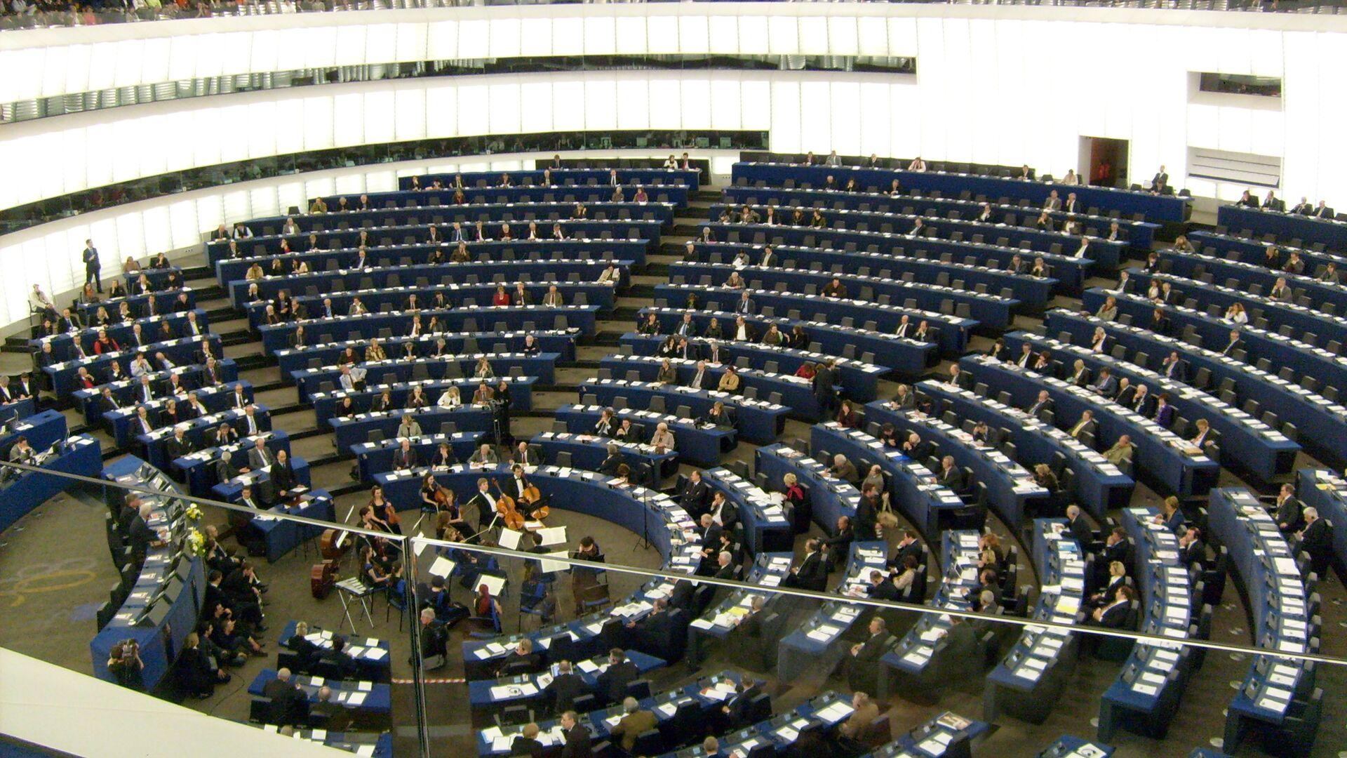 Parlamento Europeo - Sputnik Italia, 1920, 08.06.2021