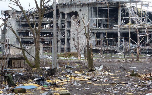Situazione all'aeroporto di Donetsk - Sputnik Italia