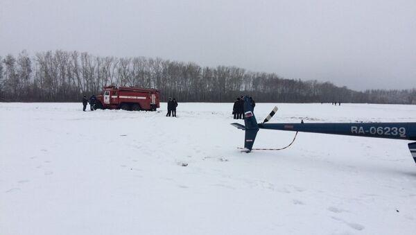 Sul luogo dello schianto dell'elicottero nella regione di Tambov - Sputnik Italia