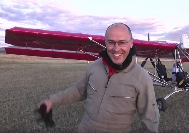 Российский пилот Леонид Кулеш, совершивший на сверхлегком самолете Dragonfly 100 витков в плоском штопоре и попавший в Книгу рекордов Гиннесса