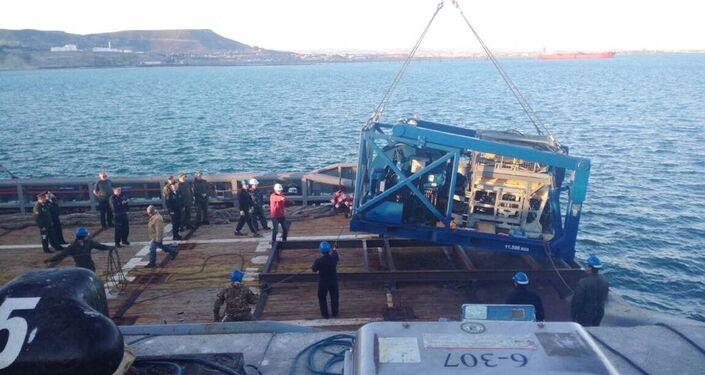 L'imbarcazione che ha portato il sommergibile russo Pantera Plus