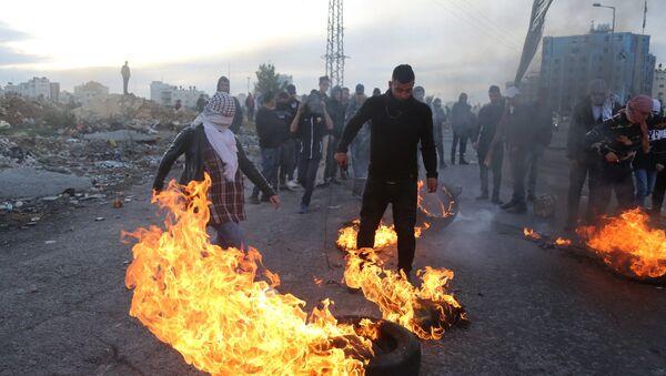 I manifestanti, il confine tra Palestina ed Israele - Sputnik Italia