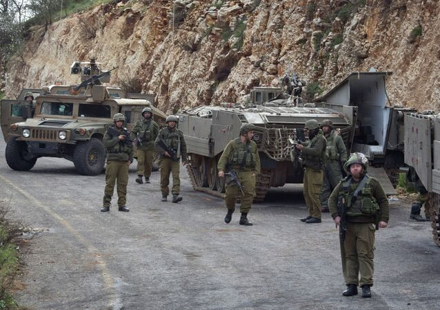 Soldati israeliani al confine tra Libano e Israele