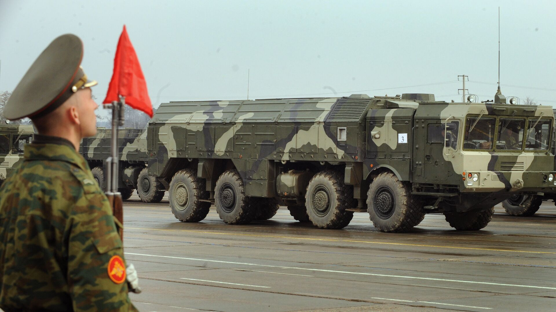 The Iskander ballistic missile launcher at a parade rehearsal. Grom-2 is ostensibly meant to compete with the Russian SRBM. - Sputnik Italia, 1920, 23.06.2021