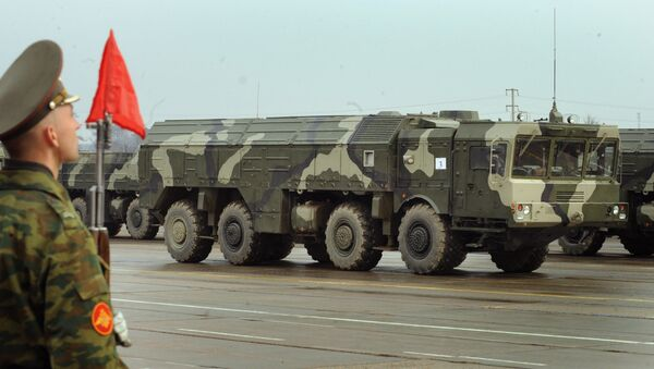 The Iskander ballistic missile launcher at a parade rehearsal. Grom-2 is ostensibly meant to compete with the Russian SRBM. - Sputnik Italia