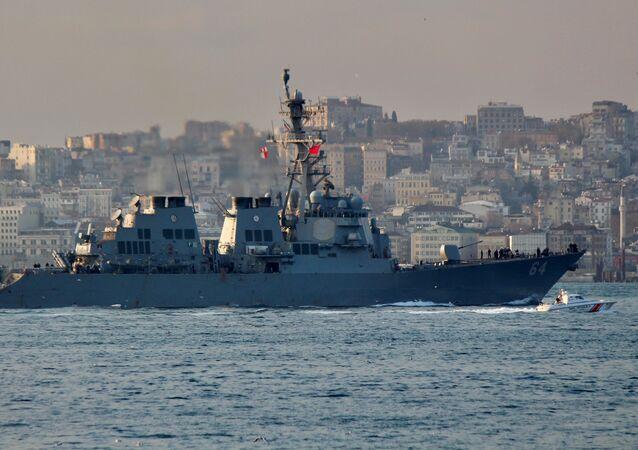 Cacciatorpediniere americano USS Carney