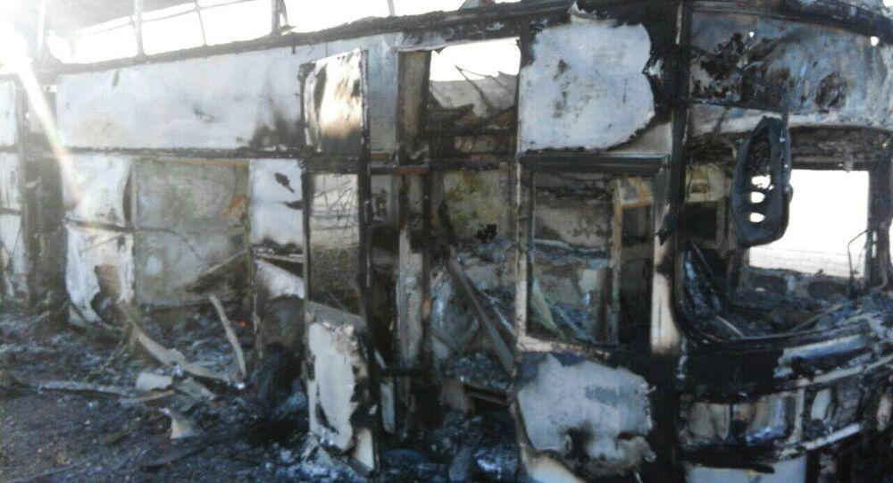 Autobus distrutto dalle fiamme in Kazakistan