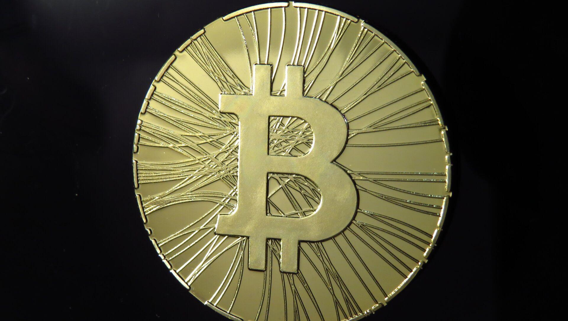 Bitcoin - Sputnik Italia, 1920, 11.02.2021