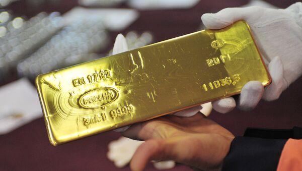 Uno dei lingotti d'oro conservati nelle riserve della Banca Centrale russa - Sputnik Italia