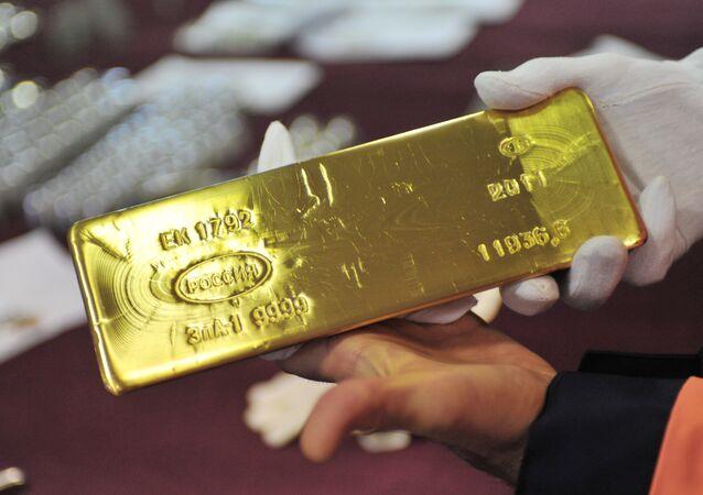 Uno dei lingotti d'oro conservati nelle riserve della Banca Centrale russa