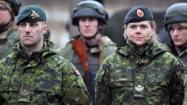 Istruttori militari canadesi - Sputnik Italia