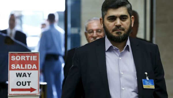 Mohamed Alloush of the Jaysh al Islam arrives with the delegation of the High Negotiations Committee (HNC) for a meeting with U.N. mediator Staffan de Mistura during Syria Peace talks at the United Nations in Geneva, Switzerland, April 13, 2016 - Sputnik Italia