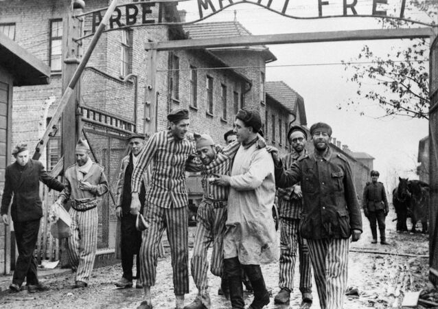 Truppe sovietiche liberano lager di Auschwitz il 27 gennaio 1945