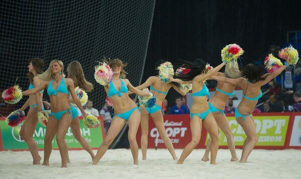 Le ragazze Pon Pon russe tifano così - Sputnik Italia