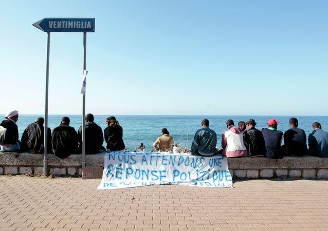 Migranti a Ventimiglia (foto d'archivio)