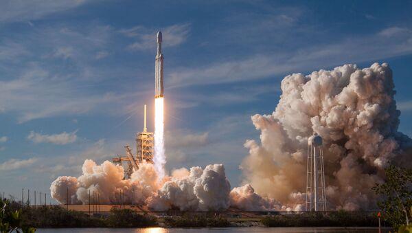 Il lancio del Falcon Heavy - Sputnik Italia