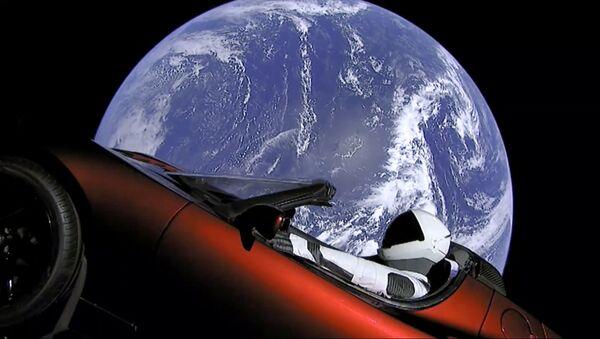 Il lancio della Tesla a bordo di una navicella SpaceX - Sputnik Italia