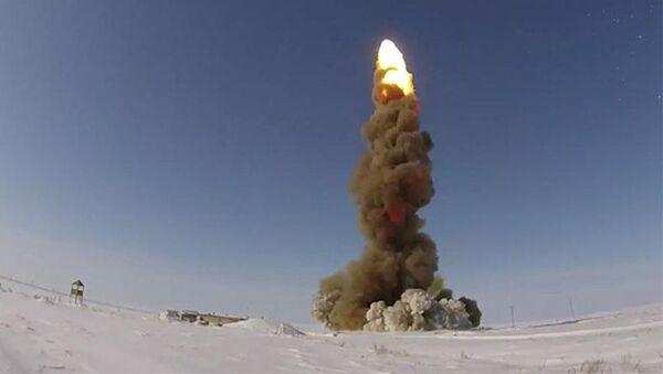 Запуск модернизированной ракеты ПРО на полигоне Сары-Шаган - Sputnik Italia