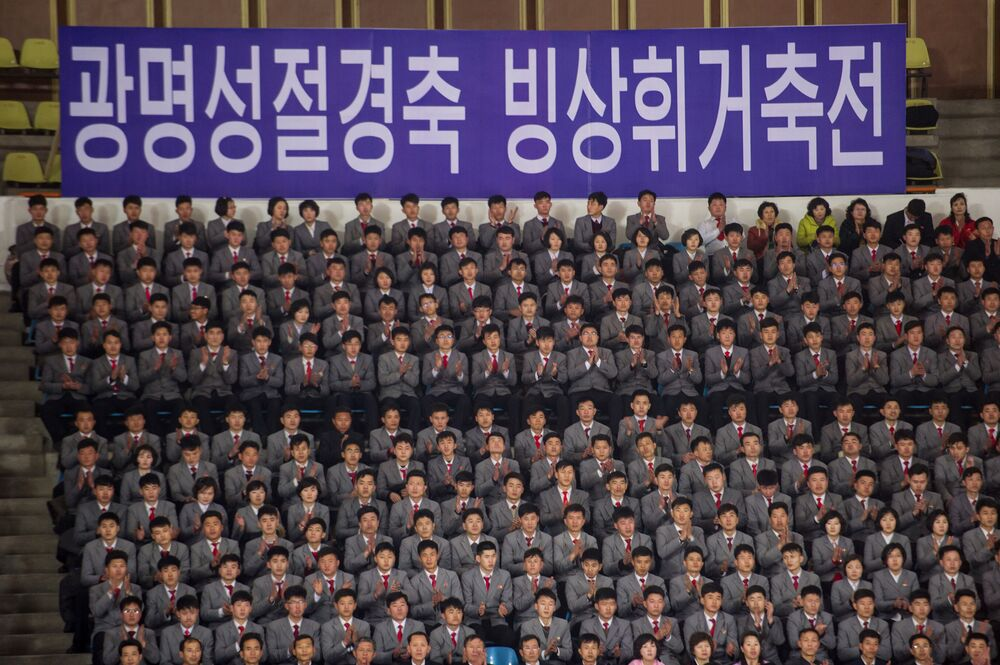Il festival del pattinaggio di figura a Pyongyang