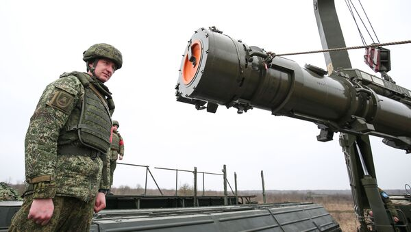 Транспортно-заряжающая машина комплекса Искандер-К с крылатыми ракетами Р-500 в Краснодарском крае - Sputnik Italia