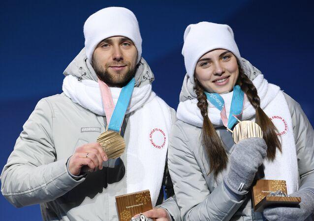 Aleksandr Krushelnitckiy e Anastasia Brisgalova