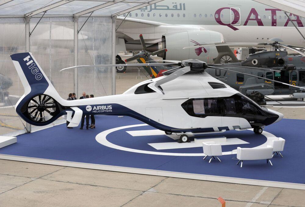 Elicottero Airbus H160 al Salone internazionale dell'aeronautica di Parigi, aeroporto Le Bourget.