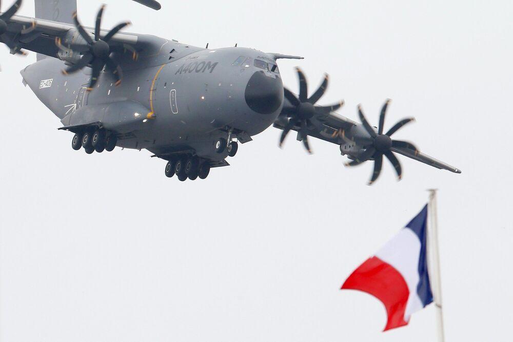 Aereo militare Airbus A400M al Salone internazionale dell'aeronautica di Parigi, aeroporto Le Bourget.