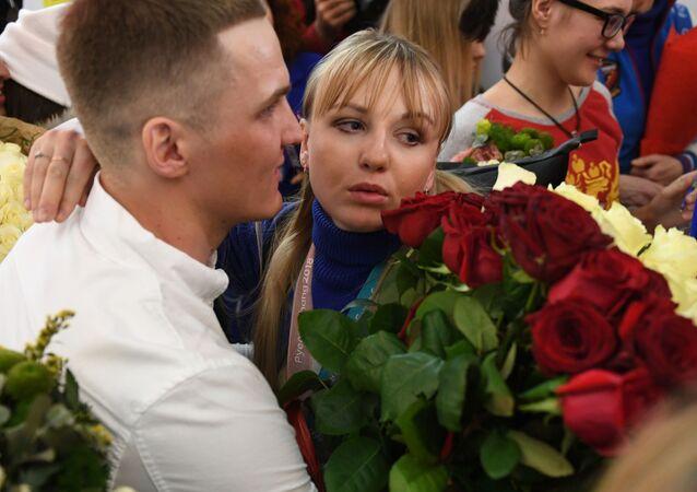 La sciatrice Anna Nechaevskaya nell'aeroporto di Sheremetyevo